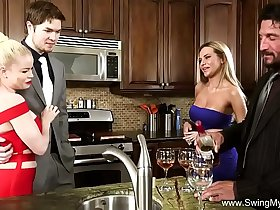 Wife Peaches Gets Fucked By A Stranger
