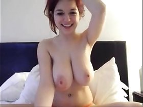 Beautiful babe with huge natural tits on cam - 333bestcams.com