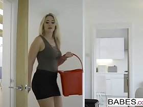 Babes - Step Mom Lessons - Step Up starring Sam Bourne and Karlie Simon and Zoe Doll clip